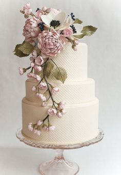 Floral Wedding Cakes White textured wedding cake with a beautiful -For Seiko and Michael's renewing vows. G - We continue our look at some of the top cake trends of as Jaclyn Campbell of Ivory and Rose Cake Company talks vintage wedding cakes Beautiful Wedding Cakes, Gorgeous Cakes, Pretty Cakes, Amazing Cakes, Elegant Wedding, Trendy Wedding, Wedding Simple, Whimsical Wedding, Beautiful Flowers