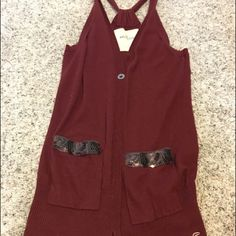 Hollister Vest Cute vest with sequin pockets. Perfect to wear over short or long sleeves Hollister Jackets & Coats Vests
