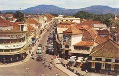 Braga, Bandung dengan latarbelakang Gn.Burangrang & Gn.Tangkuban Perahu, 1950