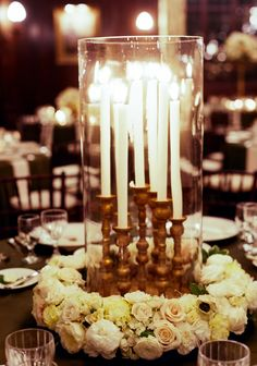 Photography: Liz Banfield - lizbanfield.com  Read More: http://www.stylemepretty.com/2014/08/07/elegant-minneapolis-club-black-tie-wedding/