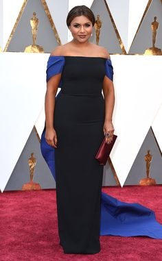 Mindy Kaling from Oscars 2016 In Elizabeth Kennedy| One of few things i know about fashion, you don't mix blue and back in one dress/shirt