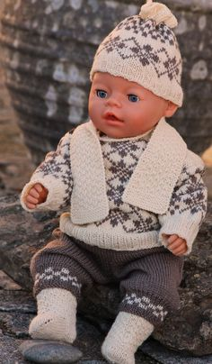 Vintage doll knitting pattern ... ... knit gorgeous sweater with old fashioned pattern for your doll Design: Målfrid Gausel