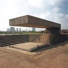 Amphitheater Parque Villa Lobos Sao Paulo, Brazil. Architect Decio Tozzi (built 1987) #brutgroup photo via #utilitarianarchitecture