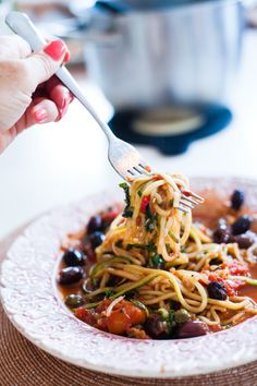 Puttanesca med Zoodles (Spaghetti Puttanesca)
