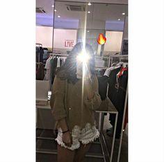 Cool Instagram Pictures, Cool Girl Pictures, Girl Photos, Uzzlang Girl, Hey Girl, Pinterest Girls, Fake Girls, Cute Korean Girl, Tumblr Photography