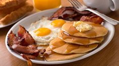 Start your mornings off right with a delicious breakfast in Gatlinburg! Gatlinburg TN Guide shares the best breakfast restaurants in Gatlinburg you have to try. Good Breakfast Places, Breakfast Restaurants, Best Breakfast, Breakfast Recipes, Breakfast Plate, Breakfast Buffet, Morning Breakfast, Breakfast Lasagna, Breakfast Catering