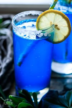 Easy Mocktail Recipes, Punch Recipes, Cocktail Recipes, Drink Recipes, Blue Alcoholic Drinks, Mocktail Drinks, Blue Drinks, Mojito Cocktail, Juice