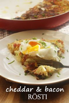 A giant rösti stuffed with tasty cheddar cheese and bacon - a perfect weekend brunch!