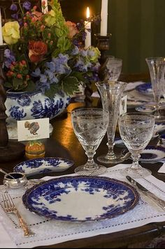 Table decor-flow blue is so elegant