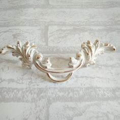shabby chic dresser drawer knobs pulls handles creamy white silver rh pinterest com shabby chic furniture pulls