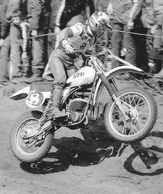 Honda Dirt Bike, Old Scool, Motocross Riders, Vintage Motocross, Dirtbikes, Vintage Bikes, Twin, Motorcycles, Track