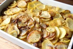 Råstekt skivad potatis med vitlök