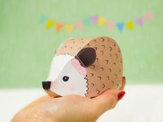 DIY Woodland Favor Boxes Hedgehog Gift Box von LittleLuxuriesLoft