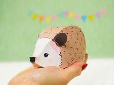 DIY Woodland Favor Boxes Hedgehog Gift Box von LittleLuxuriesLoft