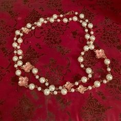 Forever 21 pear flower long chain necklace Worn once perfect condition!!!! Forever 21 Jewelry Necklaces