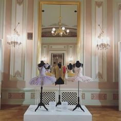 Vanity, Mirror, Ballet, Furniture, Beautiful, Home Decor, Dressing Tables, Powder Room, Decoration Home