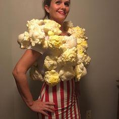 """Gefällt 30 Mal, 5 Kommentare - Martine Ouellette (@martine.with.an.e) auf Instagram: """"I was popcorn last night. #popcorncostume #greatstuff"""""""