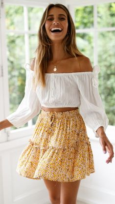 35 Spring Clothes For Ending Your Summer - Women Fashion Trends - Outfits for Summer - Modetrends Mode Outfits, Dress Outfits, Fashion Outfits, Fashion Fashion, Floral Outfits, Womens Fashion, Skirt Fashion, Fashion Clothes, Fashion Ideas
