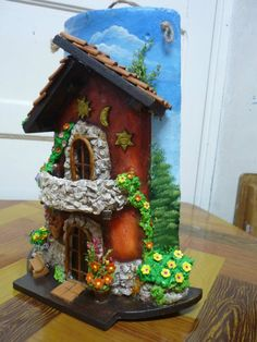 ideas doll house roof fairies garden for 2019 Clay Houses, Ceramic Houses, Miniature Houses, Tile Crafts, Clay Crafts, Diy And Crafts, Clay Fairy House, Fairy Garden Houses, Fairies Garden