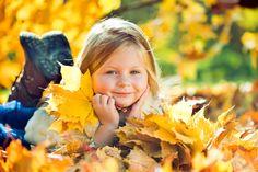 Herfst op de boerderij....we hebben er zin in! Hooi Hooi! Fall Family Pictures, Fall Photos, Autumn Pictures, Fall Pics, Rainer Maria Rilke, Children Photography, Family Photography, Autumn Trees, Autumn Leaves
