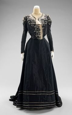 1898-1900 afternoon dress