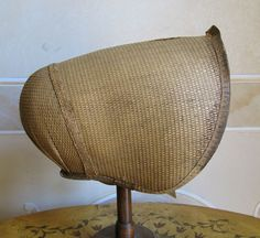 Straw bonnet. 1800. I find it hard to tell the difference between this style of Regency poke bonnets and the general Quaker bonnet.