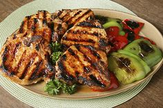 Here's an amazing recipe for Brown Sugar Grilled Pork Chops made right on your George Foreman Grill. You have to try this! The brown sugar glaze brings out all the rich, sweet and tangy flavors of the pork.