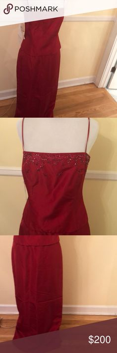 NWT Laundry by Shelli Segal 2-piece Formal gown 8P New with tags. Laundry by Shelli Segal. Two piece. Corset top. Beaded. Red. Mermaid skirt. 8P. Material is Acetate. Gorgeous Laundry By Shelli Segal Dresses Prom