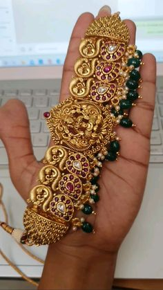 Gold Temple Jewellery, Silver Wedding Jewelry, Gold Jewelry Simple, Jewelry Design Earrings, Gold Jewellery Design, Necklace Designs, Indian Bridal Jewelry Sets, Ppr, Couture