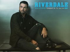 I used to be so in luv with Skeet Ulrich! Can't believe he's on Riverdale!