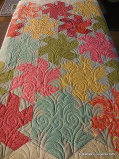 Threadtales blog... digital design Aimee's Flourish from Splendid Stitches. Superiors Omni Light gray and Hobbs 80/20 batt
