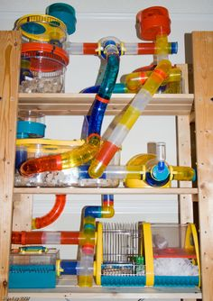 Ah, a Habitrail for my gerbils ! Loves my gerbil...her name was Samantha! LOL