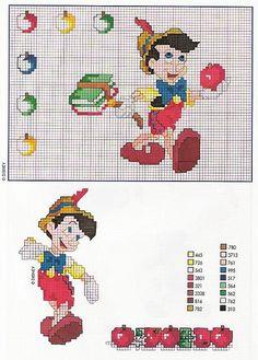 Pinocchio con mele e abecedario libri
