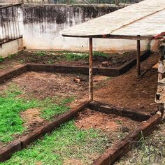 Using old #railwaysleepers we are beginning to build our raised beds for the vegetable garden. @garcialopezmanel has been doing an amazing job clearing the way for our new cabbage patch and it's finally beginning to take shape . . .🌱🌱🌱🌱🌱🌱🌱🌱🌱🌱🌱 Planting will begin soon #tomatoes #greenpeppers #onions #carrots #aubergines #lettuce #garlic #courgettes #railwaysleepersdesign #garden #allotment #allotmentlove #farmgarden #organicvegetablegarden