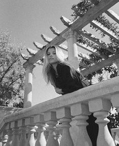 Sofia Richie, Insta Photo Ideas, Louvre, Building, Artwork, Pictures, Photography, Travel, Instagram