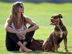 happy people and pets  | Pets: Miley Cyruss Happy Day - GISELE BÜNDCHEN - Stars and Pets ...