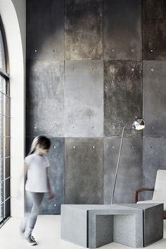 A decoration . in concrete! - Trendy Home Decorations Concrete Wall Panels, Concrete Floors, Metal Walls, Concrete Countertops, Beton Design, Concrete Design, Concrete Furniture, Furniture Design, Concrete Interiors