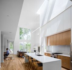 Image 5 of 15 from gallery of Chappell Smith / The Raleigh Architecture Co. Photograph by Keith Isaacs Ikea Lighting, American Houses, Kitchen Cabinetry, Custom Lighting, Guest Suite, Maine House, Beautiful Kitchens, Kitchen Design, Kitchen Decor