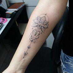 #SearchTattoo #Tattoo #Tatuadora #MorceguinhaTattoo ↬ @morceguinhatattoo em temporada aqui no Studio até 20/08 informações sobre horários disponíveis por e-mail searchtattoo@hotmail.com #Tatuagem da #Ariane