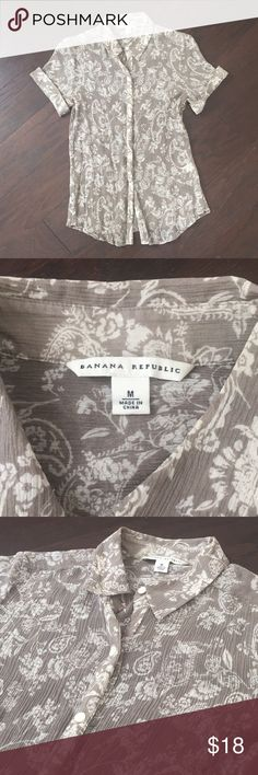 Banana Republic Sheer Button Up Blouse Beautiful Grey and White Design Sheer and Lightweight!! Good Condition!! Banana Republic Tops Button Down Shirts