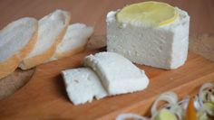 Fotorecept: Domáci syr Kefir, Homemade Cheese, Home Recipes, Feta, Food And Drink, Dairy, Butter, Syr, Milk