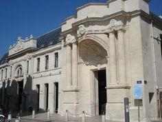 La Rochelle, France. Maison de la Culture, ancien marché aux poissons Fond d'écran La rochelle, France - Wallpaper