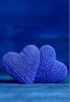 What a cute craft idea that uses a lovely shade of Im Blue, Love Blue, Deep Blue, Blue And White, Cobalt Blue, Magenta, Felt Hearts, Blue Hearts, Blue Aesthetic