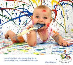 La creatividad es la inteligencia divirtiéndose. Albert Einstein.