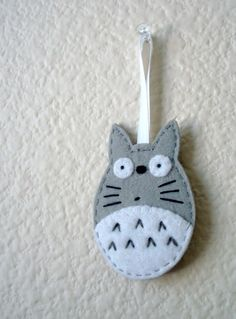 Love Totoro - maybe one could use this as the jumping off point for a baby mobile or something??