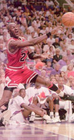 92/93 Finals G1, Out of Bounds Jordan