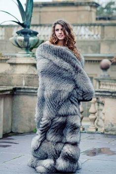 H-Town Male/ like Furs,Women,& TS kik hatetoolose Fabulous Fox, Fur Blanket, Fox Fur Coat, Soft Blankets, Fur Fashion, Style Guides, Amazing Women, How To Wear, Clothes