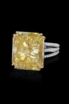 emerald cut canary diamond. *a girl can dream*