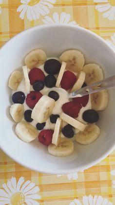 Healthy snack ❣️ #greekyogurt#blueberries#raspberries#banabas#honey#healthy#snacks