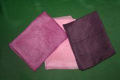 Pañuelos de seda teñidos con cochinilla de Lanzarote. Asociación Milana.